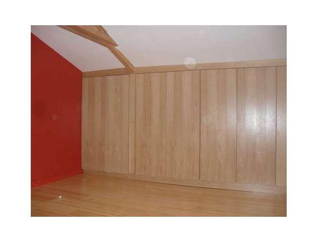 escalier en bois massif placard en bois cuisine bois. Black Bedroom Furniture Sets. Home Design Ideas